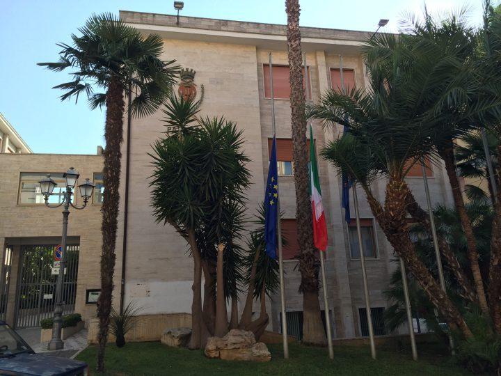 Municipio-bandiere-2.jpg