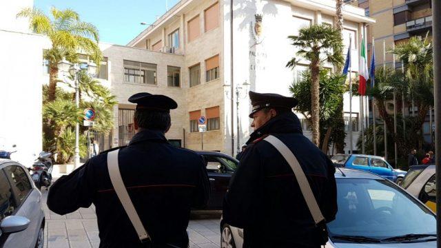Carabinieri-in-municipio-3.jpg