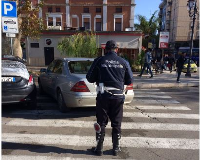 Polizia-municipale-piazza-Crispi.jpg
