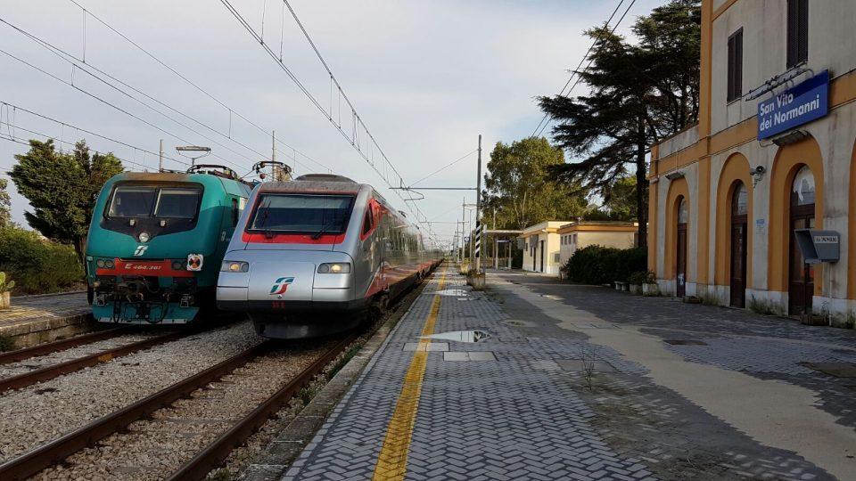 Treni-stazione-San-Vito.jpg