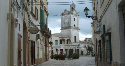 Centro_storico_Francavilla_1-piazza-dante.jpg