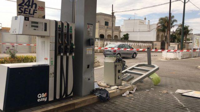 Distributore-carburanti-5.jpg