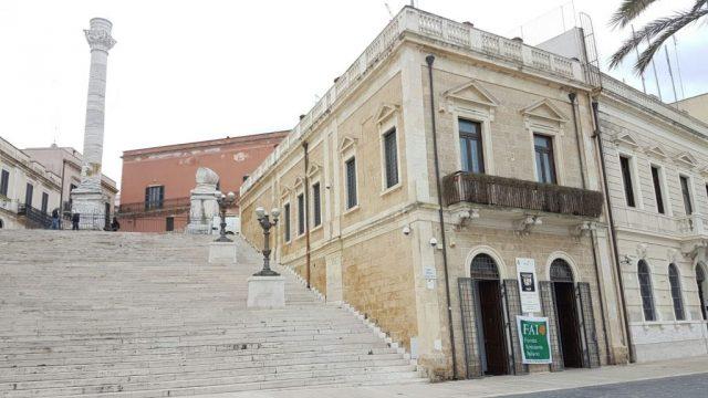 Palazzina-Belvedere-e-Colonne-romane.jpg