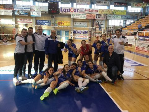 volley-san-vito-squadra-e-staff.jpg