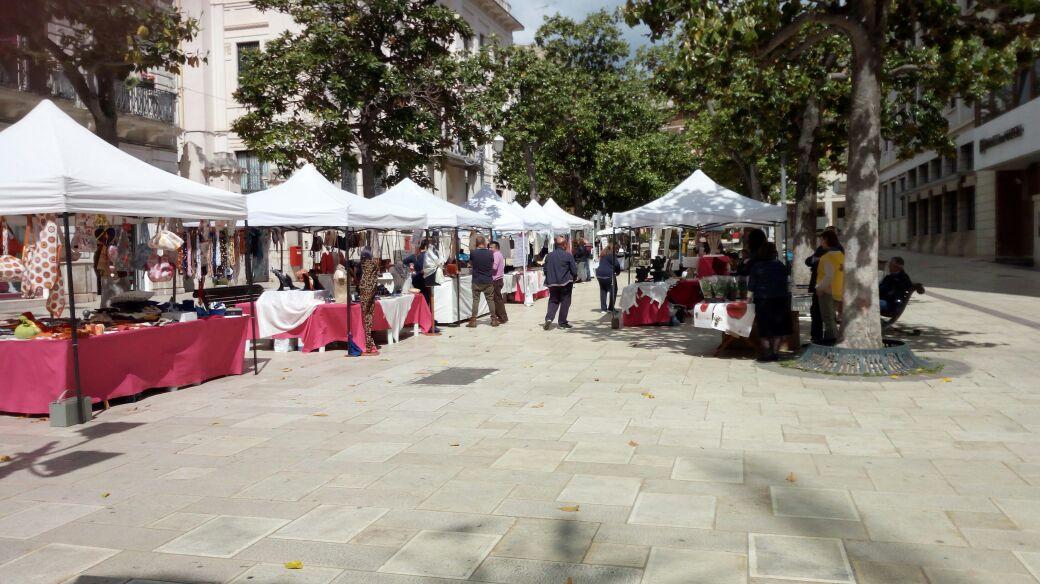 Una domenica a curiosare nel mercatino dell antiquariato for Mercatino dell usato siracusa