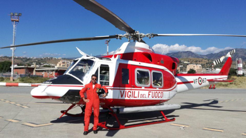 Elicottero Vigili Del Fuoco Verde : Da oria al g di taormina…in elicottero la storia del