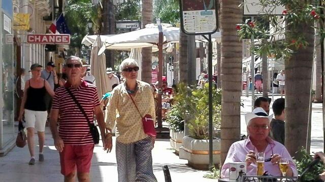 Turisti-in-centro-14-8.jpeg