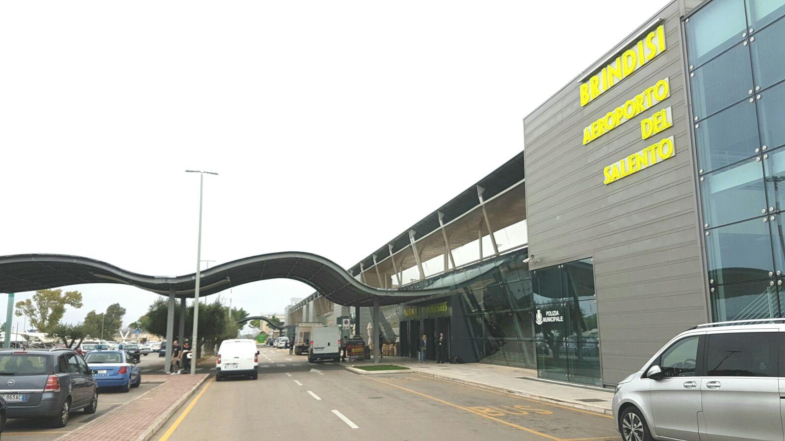 Aeroporto Brindisi : Noleggio auto aeroporto brindisi da u ac al giorno ionoleggioauto