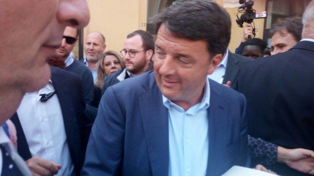 Renzi-a-Brindisi-2.jpg