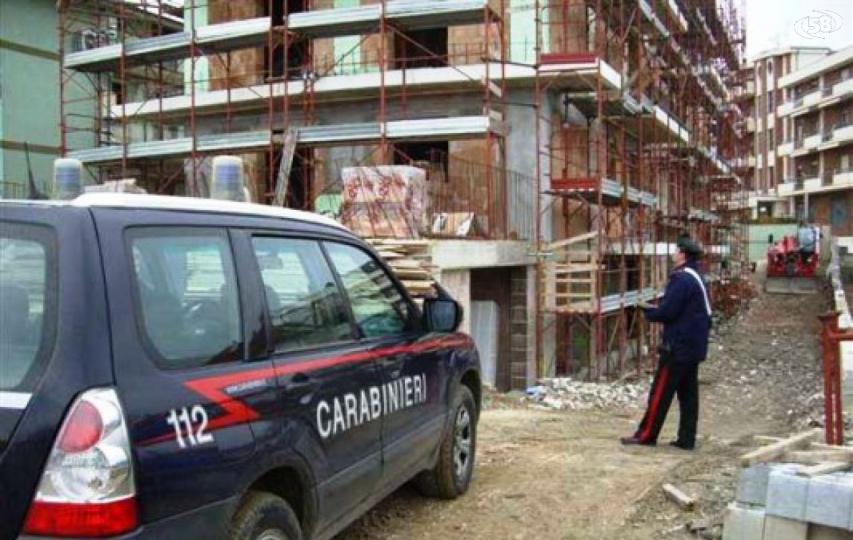 LAVORO-NERO-CANTIERI.png