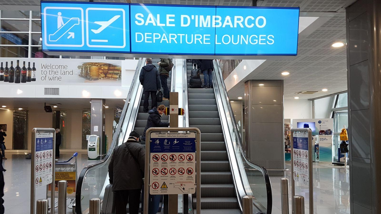 Aeroporto Brindisi : Le nuove aree imbarco dell aeroporto papola di brindisi u video e
