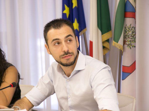 BOZZETTI (M5S) CHIEDE INCONTRO SUL FUTURO DEL PORTO PER LA DECARBONIZZAZIONE