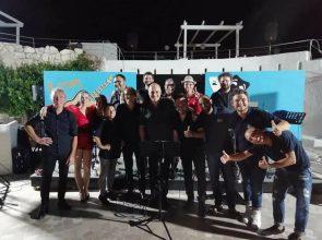 """""""LA BELLA STAGIONE"""", SUL LUNGOMARE DI BRINDISI L'ONDA POP DELLA MUSICA ITALIANA"""