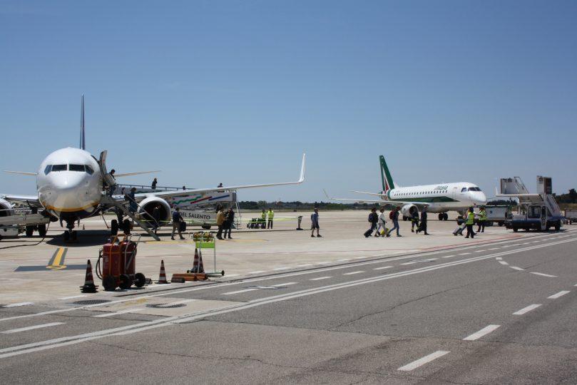 Aeroporto-del-Salento-Brindisi_piazzale.jpg