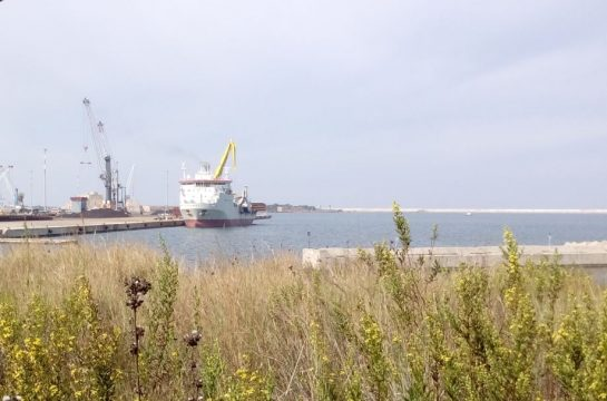 navi-zona-industriale.jpg