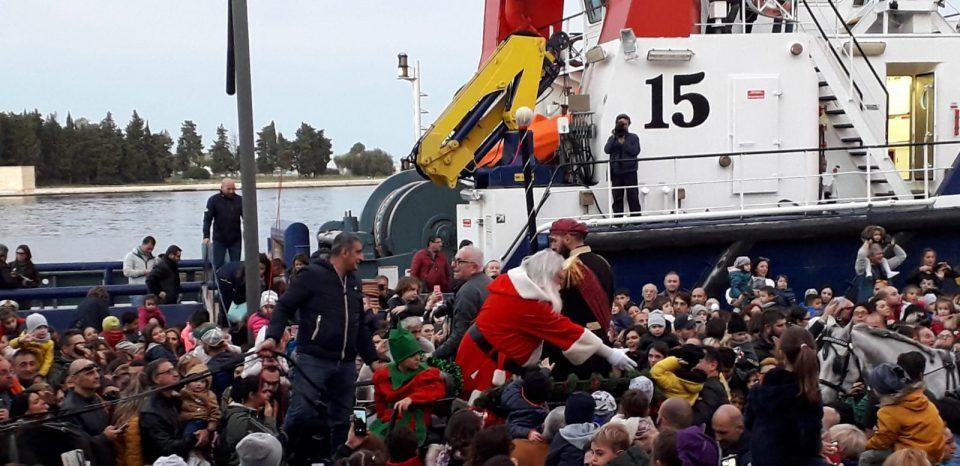 Babbo-Natale-sul-rimorchiatore.jpg