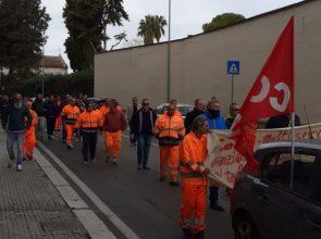 INIZIATA LA PROTESTA DEI LAVORATORI DELLA BRINDISI MULTISERVIZI