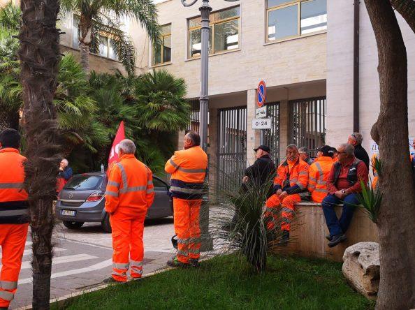 BMS: SCIOPERO E PROTESTA A PALAZZO DI CITTA'- VIDEO