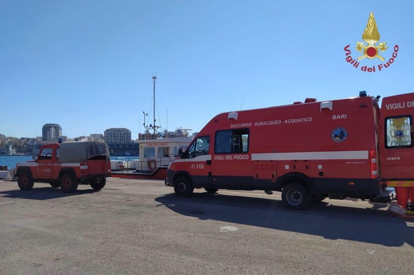 vigili-del-fuoco-sommozzatori.jpg